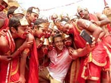 In <i>Selfie Le Le Re</i> Song, Salman's Epic Picture With His <i>Bajrangi Bhaijaans</i>