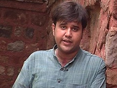 अरविंद केजरीवाल और प्रशांत किशोर का हाथ मिलाना, नजर में दिल्ली; कहीं और है निशाना!