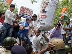 वीजा मामला : विपक्ष ने मांगा सुषमा का इस्तीफा, जानें कहां से और क्यों शुरू हुआ विवाद