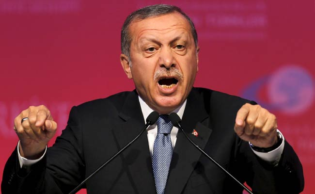 Turkish President Recep Tayyip Erdogan Warns Russia After Airspace Incursion