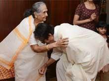 Amitabh Bachchan Pays Birthday Visit to Screen Mother Sulochana