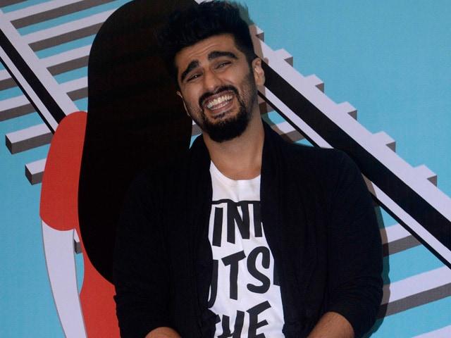 Arjun Kapoor Tweets Selfie to Celebrate 1.5 Million Fans on Twitter