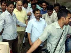 Arvind Kejriwal Meets Family of Girl Stabbed to Death, Says Law and Order Deteriorating in Delhi