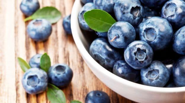 Drinking Blueberry Juice May Boost Brain Function in Elder People