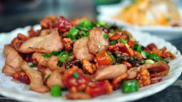 Tips And Recipe To Make Restaurant-Style Chilli Chicken At Home