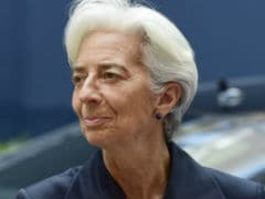 IMF's Lagarde Says Restructuring Should Suffice for Greek Debt