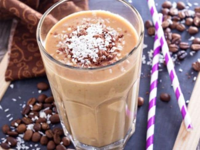 How to make cold coffee on a hot summer day in Hindi