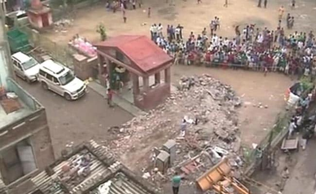 5 Killed in Delhi Building Collapse, 3 Officers Suspended