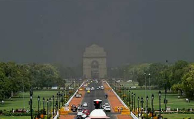 Delhi Wakes Up To Cloudy Morning