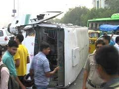12 Schoolchildren Injured After Bus Overturns in Delhi