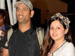 मेरे लिए पत्नी साक्षी से पहले मेरा देश और माता-पिता हैं : महेंद्र सिंह धोनी