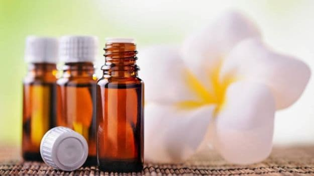 The Power of Aromatherapy: 5 Essential Oils That You Must Use