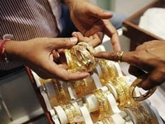 Gold Tops Rs 27,000, Surges Rs 400 to Hit 1-Month High
