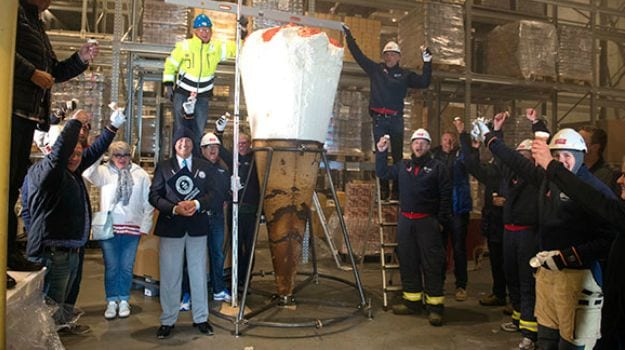This Will Make You Scream: World's Tallest Ice-Cream Cone