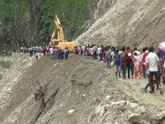 पश्चिम बंगाल के दार्जिलिंग जिले में भारी बारिश से भूस्खलन, 22 लोगों की मौत