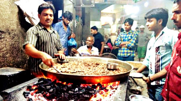 an-extravagant-iftar-trail-in-lucknow-3