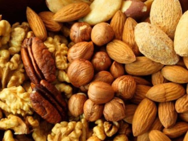 Which Nuts Should You Have Daily and How Many in Hindi