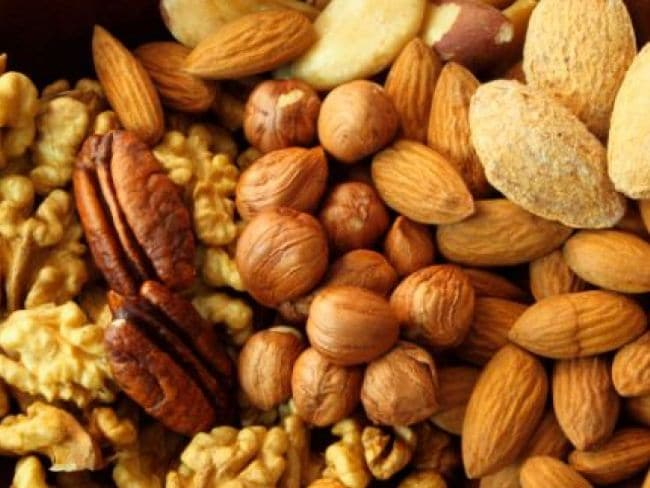 Eat nuts daily to lose weight
