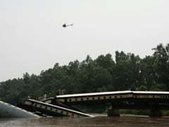 Train Carrying Pakistan Troops Plunges Into Canal, Officials Suspect Sabotage