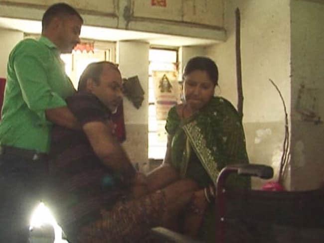 सरकारी अस्पतालों पर NDTV की रिपोर्ट का असर : बबलू के इलाज का खर्च उठाएगी सरकार