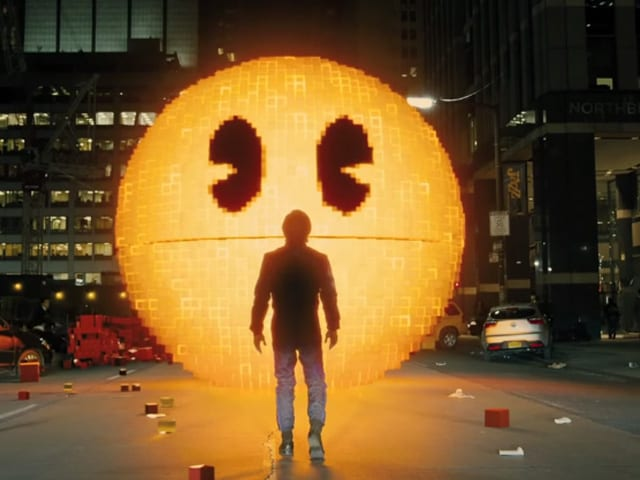 Pixels Actor Says Working With Director Chris Columbus Was 'Incredible'