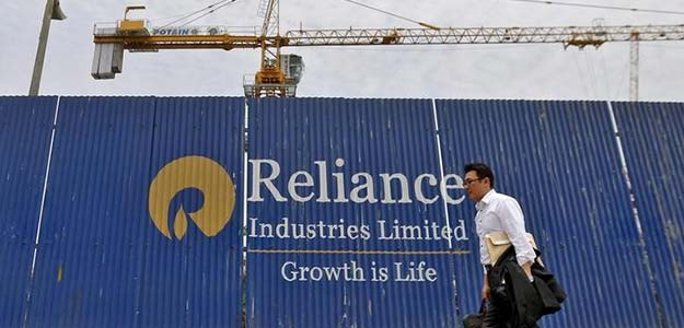 Sensex Up Over 150 Points, Trades Above 28,000; RIL Leads Gains