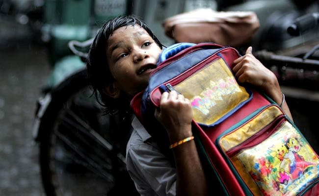 Maharashtra To Approach Centre To Lighten Schoolbags Of CBSE, ICSE Students