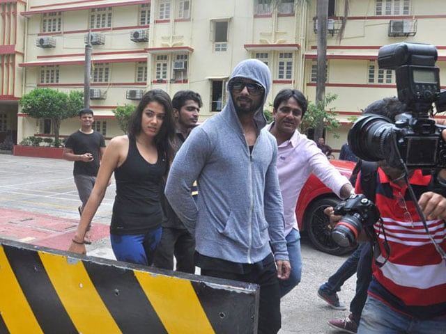 Shahid Kapoor and Mira Rajput Brave the Cameras to go to the Gym