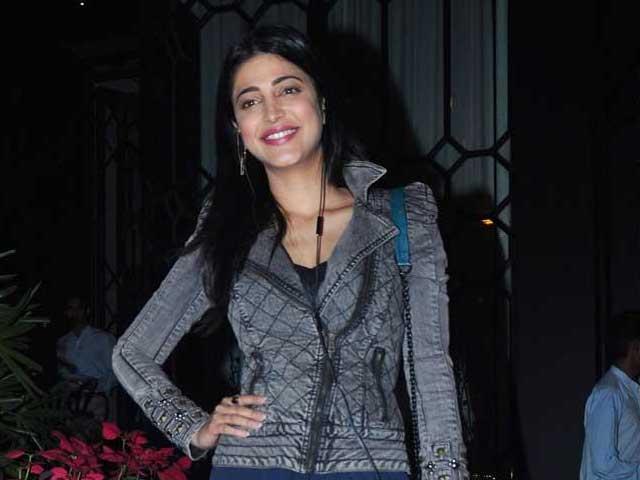 Shruti Haasan Will Host Special Screening of Papanasam For Friends