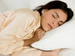 अधूरी नींद से आता है महिलाओं के मूड में बदलाव