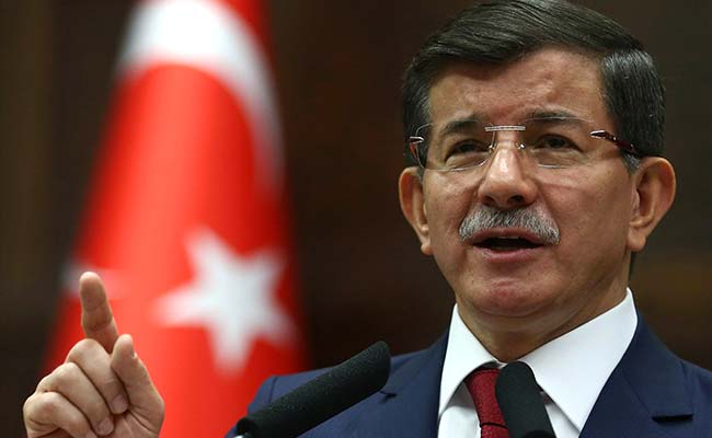 Turkish PM Ahmet Davutoglu Denies Plans for Imminent Intervention in Syria