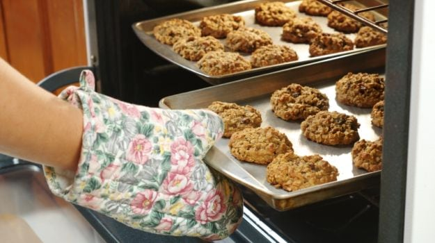 10 Fool-Proof Tips to Prevent Baking Disasters