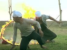 Heart-Stopping Moment When Akshay Kumar's Leg Caught Fire