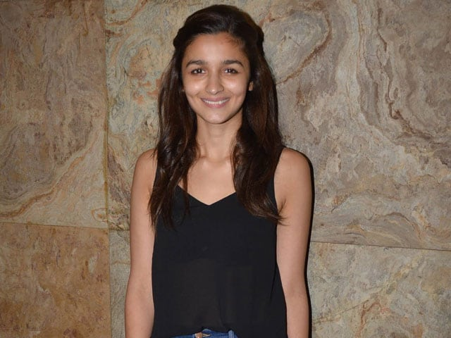 Alia Bhatt, 22, Gives Her Considered Opinion on Right Age to Marry