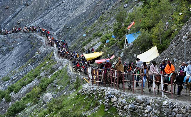 Amarnath Yatra Suspended Due To Heavy Rain In Pahalgam, Baltal Routes