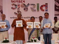 Book on Anandiben Patel's 1-Year Tenure as Gujarat Chief Minister Released
