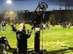 Australians Set World Record for Stargazing
