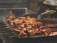 Butter Cream Chicken: ज़ामा मस्जिद में चखें यह व्यंजन