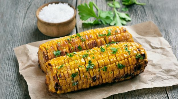 Monsoon Eating: Why You Should Not Drink Water After Eating Bhutta