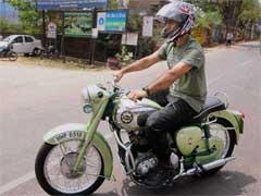 टीम इंडिया के कप्तान धोनी का श्रीनिवासन प्रेम! चेन्नई में मौका मिलते ही मिलने पहुंचे