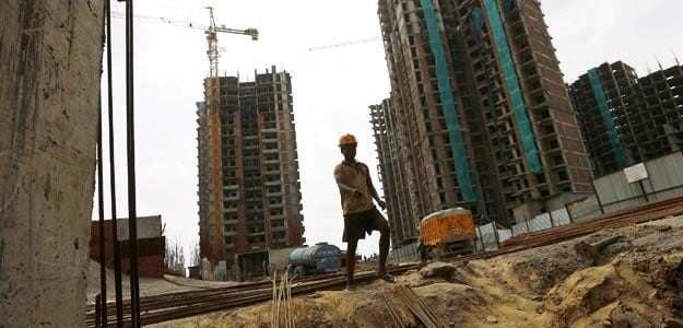 Survey Shows Economy Faces Downside Risks: India Inc