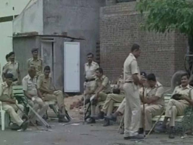 गुजरात : महिला पुलिसकर्मी की मौत, पति और ससुराल के लोगों पर हत्या का आरोप
