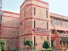 Women Commission Issues Notice to Jamia Vice Chancellor Over Gender Discrimination