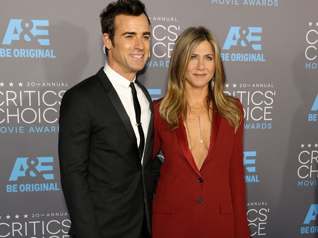 After Secret Wedding, Jennifer and Justin Head For Honeymoon