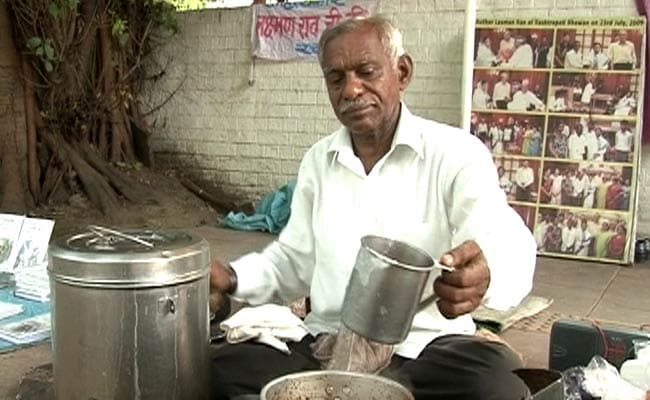 Meet Laxman Rao, Tea Seller, Novelist and Student