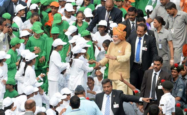 Prime Minister Narendra Modi Meets Children After Independence Day Speech