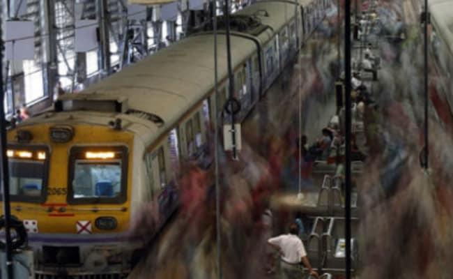 Mumbai's Chhatrapati Shivaji Terminus, Elphinstone Station Renamed