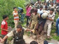 आतंकियों को पकड़ने वाले दो नागरिकों को शौर्य चक्र देने की अनुशंसा