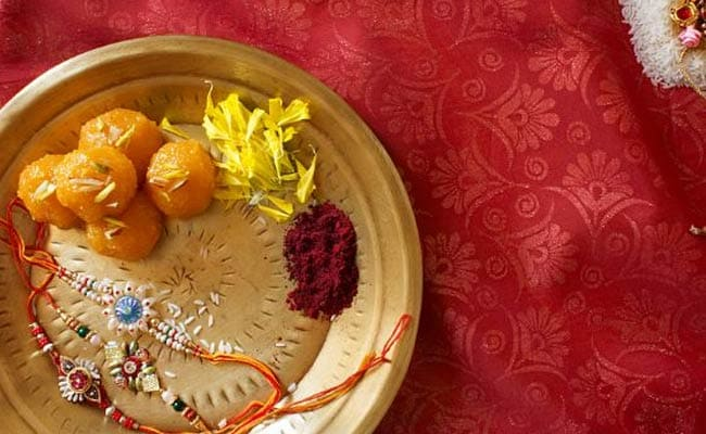 Rakhi 2017: Raksha Bandhan Muhurat and Timings to Tie Rakhi and Perform Rituals