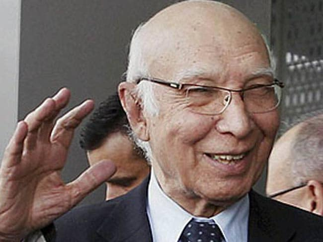 तय समय पर ही होगी भारत-पाकिस्तान के विदेश सचिवों की बातचीत : सरताज अज़ीज़